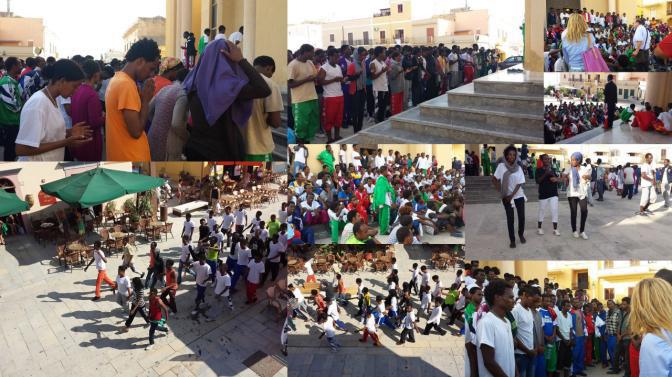 Manifestazione e preghiera richiedenti asilo a Lampedusa, luglio 2013 Franca Balsamo